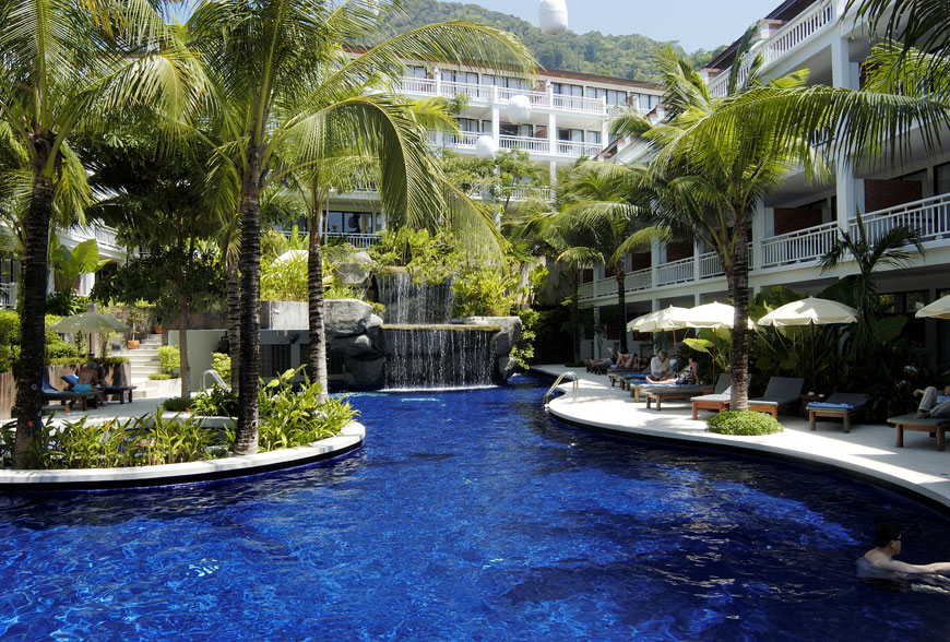 Sunset Beach Resort Et Hotel In Patong Thailand